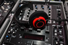 DJ headphones and mixer controller Royalty Free Stock Photos