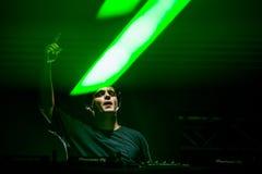DJ Martin Garrix que executa na fase em Europa, Portugal no festival de música MEo Sudoeste foto de stock