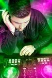 DJ met een mixermateriaal Royalty-vrije Stock Afbeelding