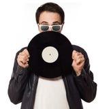 DJ met vinyl op witte achtergrond wordt geïsoleerd die Stock Afbeeldingen