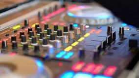 DJ mezcla el vídeo de la pista HD
