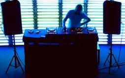 DJ mischt die Spur Lizenzfreie Stockfotos
