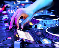 Dj mixes the track Royalty Free Stock Images