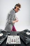 DJ no trabalho isolado no fundo branco Fotografia de Stock Royalty Free