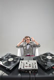 DJ no trabalho no banho isolado no fundo branco Fotos de Stock Royalty Free