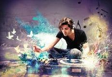 DJ que juega música Imagen de archivo libre de regalías