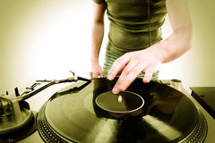 DJ-Spielen lizenzfreies stockfoto