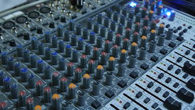 DJ-Ton-Konsolen-Mischer stock video footage