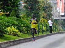 Djakarta - Oktober 27, 2013 Luke Kibet Kenya Runner Stock Foto's