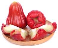 Djamboevruchten die op witte achtergrond worden geïsoleerde Stock Foto's