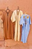 Djellaba - traje externo tradicional. Imagen de archivo libre de regalías