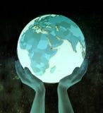 Djibouti sur le globe bleu dans des mains illustration libre de droits