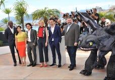 Djimon Hounsou et Cate Blanchett et America Ferrera et Jay Baruchel et Kit Harington et doyen Deblouis Image stock