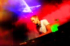 DJs выполняет в диско ночи Стоковое Фото