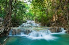 djup skogkanchanaburithailand vattenfall Royaltyfri Fotografi
