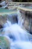 Djup skogvattenfall på den Erawan vattenfallnationalparken Kanjanaburi Thailand Arkivbilder