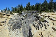 Djupa klyftor på Taft punkt Yosemite, Kalifornien Arkivfoto