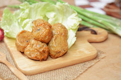 Djupa stekt kycklingköttrullar kinesisk mat Royaltyfri Fotografi