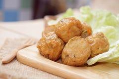 Djupa stekt kycklingköttrullar kinesisk mat Arkivfoton