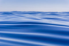 Djupblå havrörelse för abstrakt bakgrund Arkivfoton