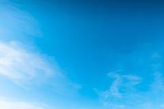 Djupblå himmel Arkivfoton
