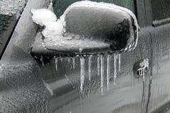Djupfryst bilspegel royaltyfria foton