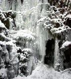 djupfryst istappvattenfall Arkivfoton
