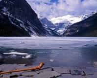 Djupfryst Lake Louise, Alberta, Kanada. Arkivfoton