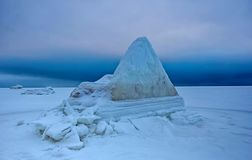 Djupfryst och is-täckt havsvinter Royaltyfri Foto