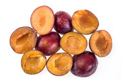 Djupfryst plommon utan gropen Makro fryst organisk plommon, en handfull s Royaltyfria Foton
