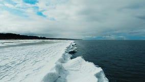 Djupfryst seashore i vinter lager videofilmer