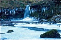 Djupfryst vattenfall Wales Royaltyfri Fotografi