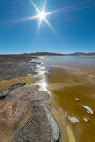 Djupfrysta Salt Lake på bolivianska Anderna Royaltyfria Bilder