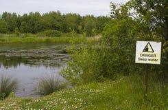 Djupt vatten för fara Royaltyfria Bilder