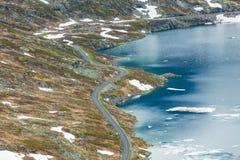 Djupvatnet See und Straße zu Dalsnibba-Berg Norwegen Stockfoto