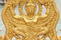 Djur i litteraturtempel i Thailand gul guld Royaltyfri Foto