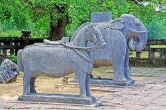 Djur staty i Tri Hue Imperial Tomb av kejsaren Thieu, Hue Vietnam UNESCOvärldsarv Royaltyfri Bild