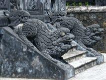 Djura statyer på tombkhaidinh, ton Vietnam Arkivfoto