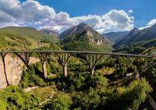 Djurdjevica Tara bro över floden Tara, Montenegro Royaltyfri Fotografi