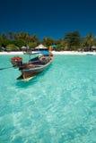 łódkowatego jasnego zakończenia krystaliczny ocean tradycyjny Zdjęcie Royalty Free