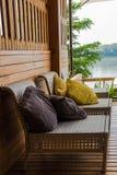 Dla relaksu tarasu przegapia rzekę Zdjęcie Royalty Free