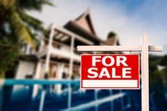 Dla sprzedaż domu znaka Zdjęcie Royalty Free