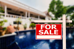Dla sprzedaż domu znaka Obrazy Stock