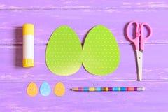 Dlaczego robić Wielkanocnego jajka kartka z pozdrowieniami krok przewdonik Dzieci papierowych rzemioseł Wielkanocny pomysł Odgórn Obraz Stock
