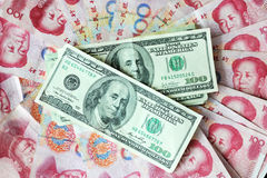Dólar americano E yuan chinês Fotografia de Stock Royalty Free