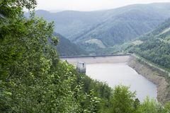 Dlouhe strane水电厂 cesky捷克krumlov中世纪老共和国城镇视图 泵浦存贮植物 免版税库存图片