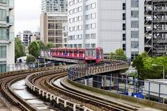 DLR运输在伦敦 免版税库存照片
