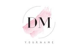 DM D M水彩信件与圆刷子样式的商标设计 免版税库存图片