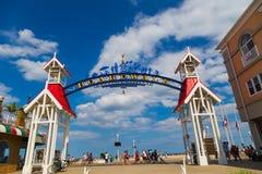 DM da cidade do oceano do arco do sinal bem-vindo Foto de Stock Royalty Free