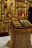 Dmitrov, Ρωσία - 10 Μαρτίου 2018 αρσενικό μοναστήρι Borisoglebsky iconsin προσευχής Στοκ Εικόνες